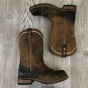 Ariat Rustic Boots w/ Pink Details